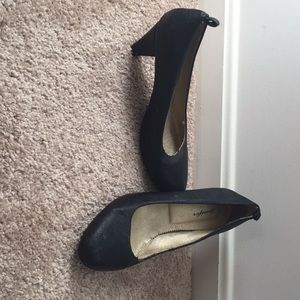 Shoes - very comfortable black mini heels